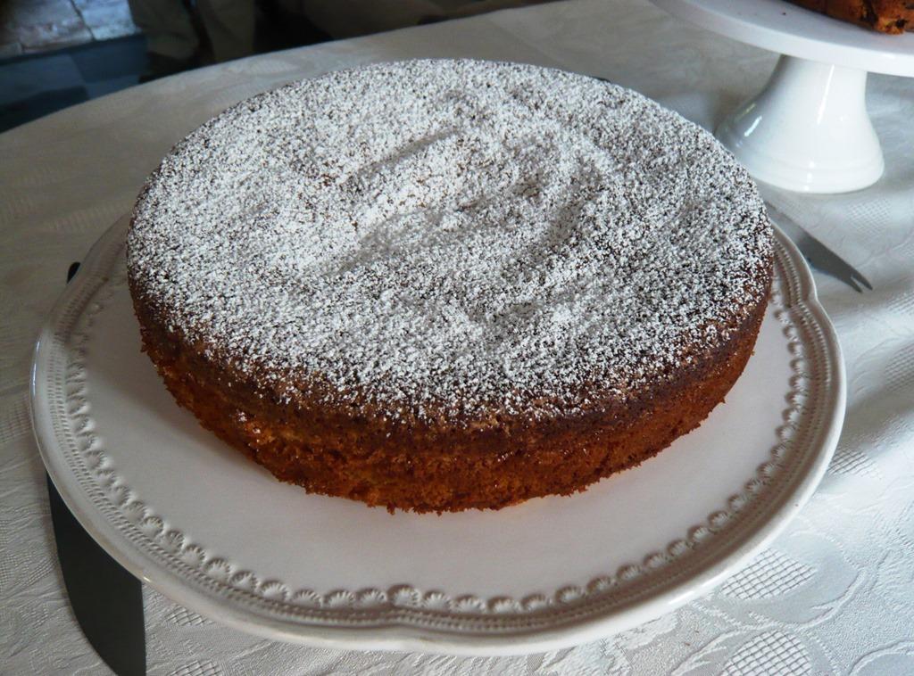 [Spanish+almond+cake2%5B3%5D]