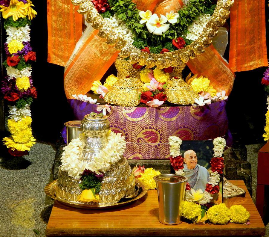 ISKCON Pune NVCC Deity Darshan 08 Jan 2017 (6)