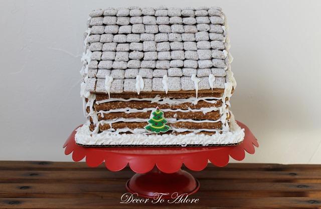 Gingerbread Log Cabin 092