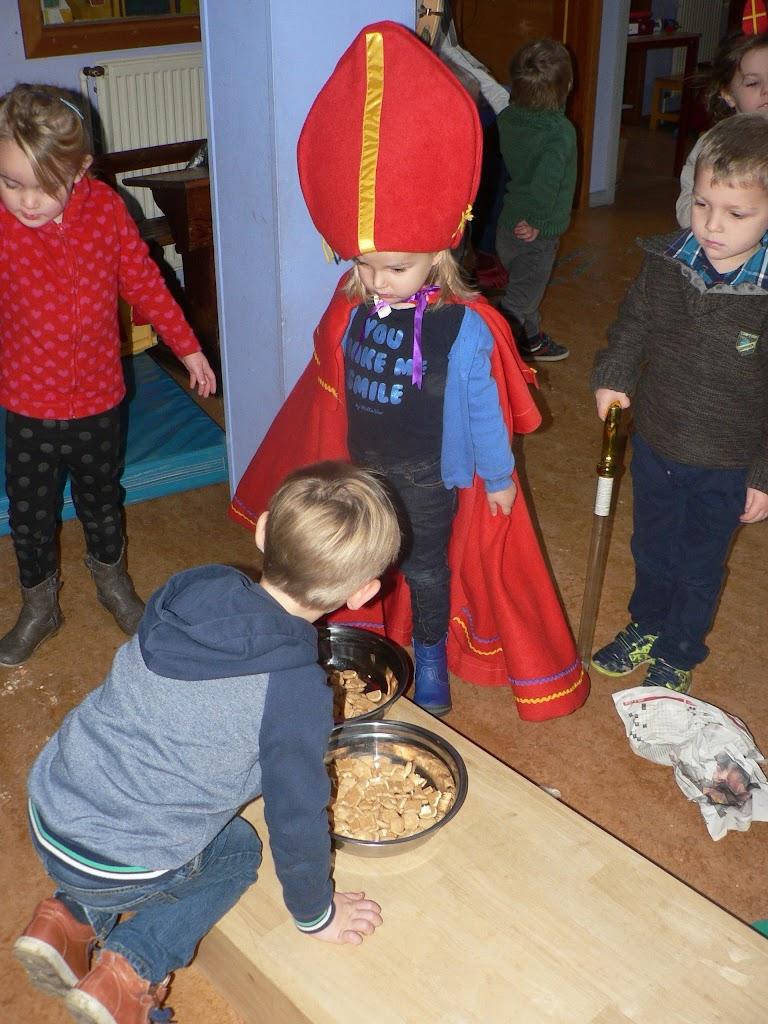 Sinterklaas op bezoek - P1270243.JPG