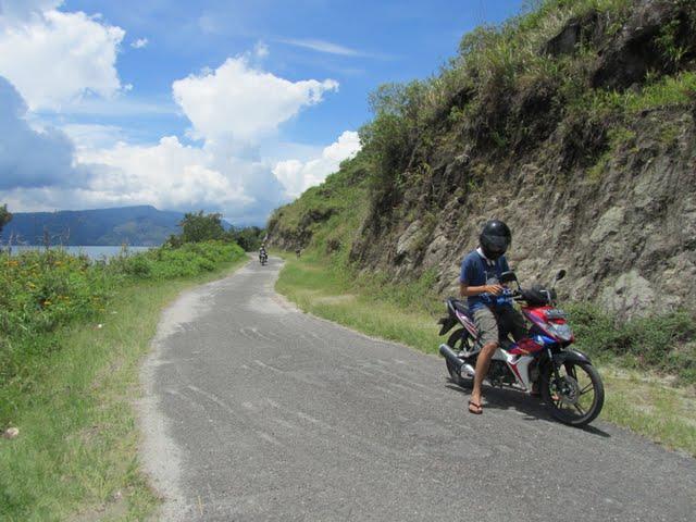 motorbike trip Danau Toba