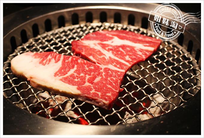 五角銀燒肉牛排