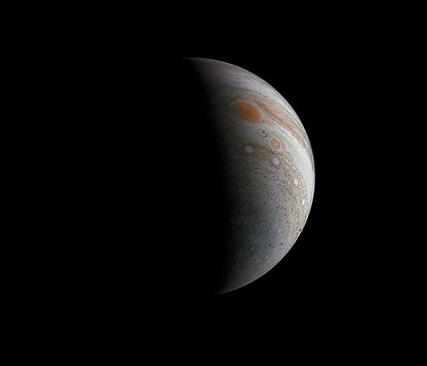 Júpiter crescente e a Grande Mancha Vermelha