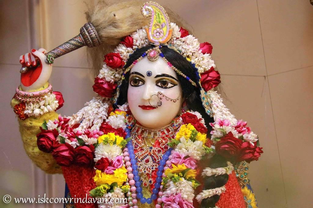 ISKCON Vrindavan Sringar Deity Darshan 03 Feb 2016 (20)