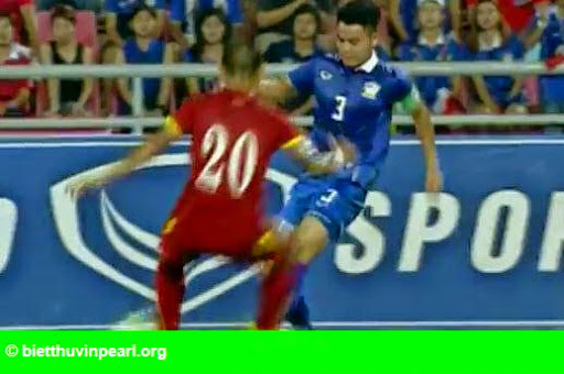 Hình 2: Thái Lan 1-0 Việt Nam: Siêu dự bị giải cứu Kiatisak