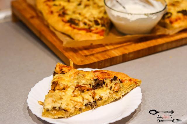 Dania obiadowe, przekąski, pizza, ciasto na pizzę, pizza na dużą blachę, domowa pizza, pyszna pizza, szybka pizza, cienkie ciasto do pizzy
