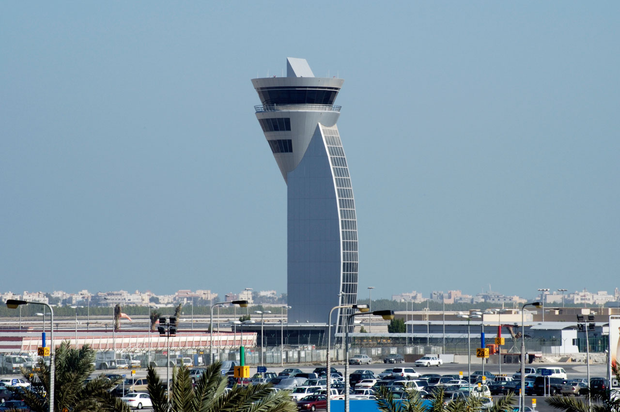 Bahrain - airport control tower   (photo-bac.bh)