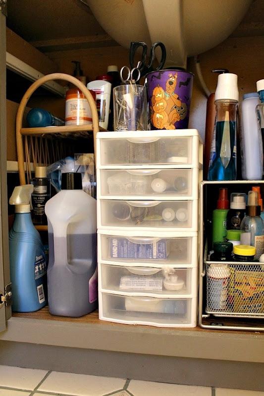 under-cabinet-organization-4