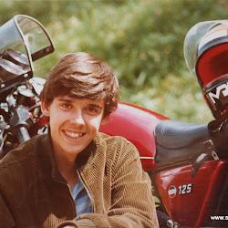 Kurt 1981 mit Laverda 125.JPG