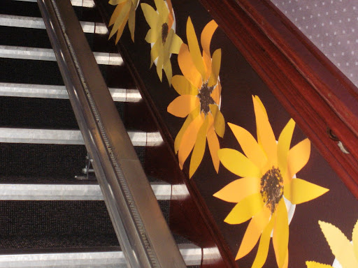 Turiff Brownies had kindly made lots of sunflower decorations to welcome us up the stairs
