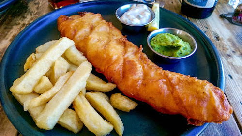Restaurant review, Gerry's Kitchen, Northern Ireland, Portstewart, Harry's Shack, Fish'n'Chips, Crab claws, Giant's Organ IPA, Lacada Brewery
