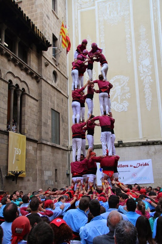 Actuació 20è Aniversari Castellers de Lleida Paeria 11-04-15 - IMG_8974.jpg