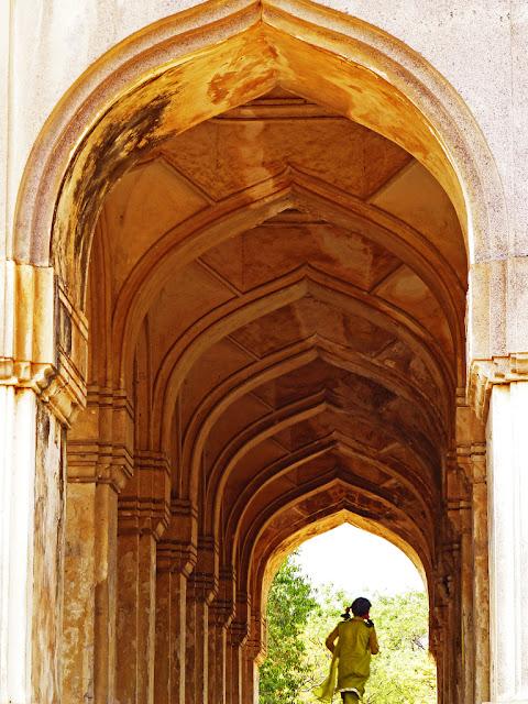 Hyderabad - Rare Pictures - fd91642be7e8f5f1087c846b9182218c6dd6cb2e.jpg