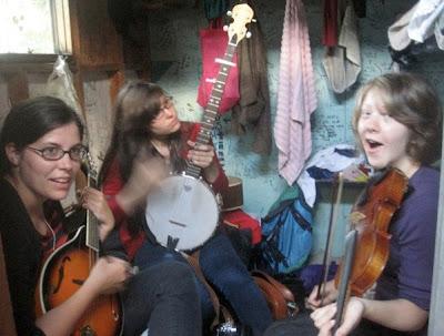 Camp 2010 - girls_cabin_jam.jpg