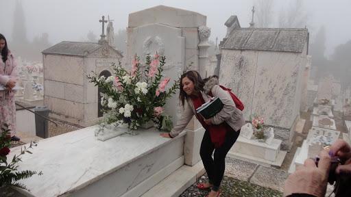 Visita ao túmulo de Florbela Espanca