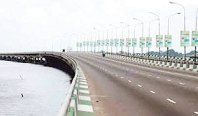 FG retains 10pm curfew despite partial closure of Third Mainland Bridge