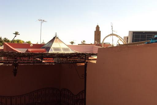 moskee op terrein riad.JPG