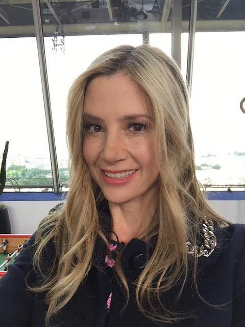Mira Sorvino Profile Pics Dp Images