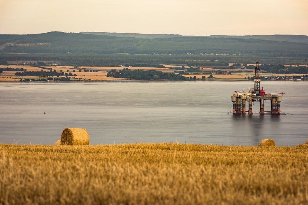 cromarty-firth-oil-rigs-11