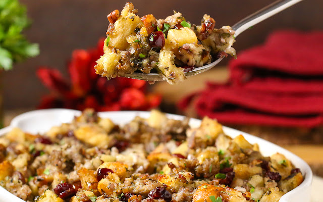 Spoonful of Sausage Cranberry and Apple Stuffing recipe
