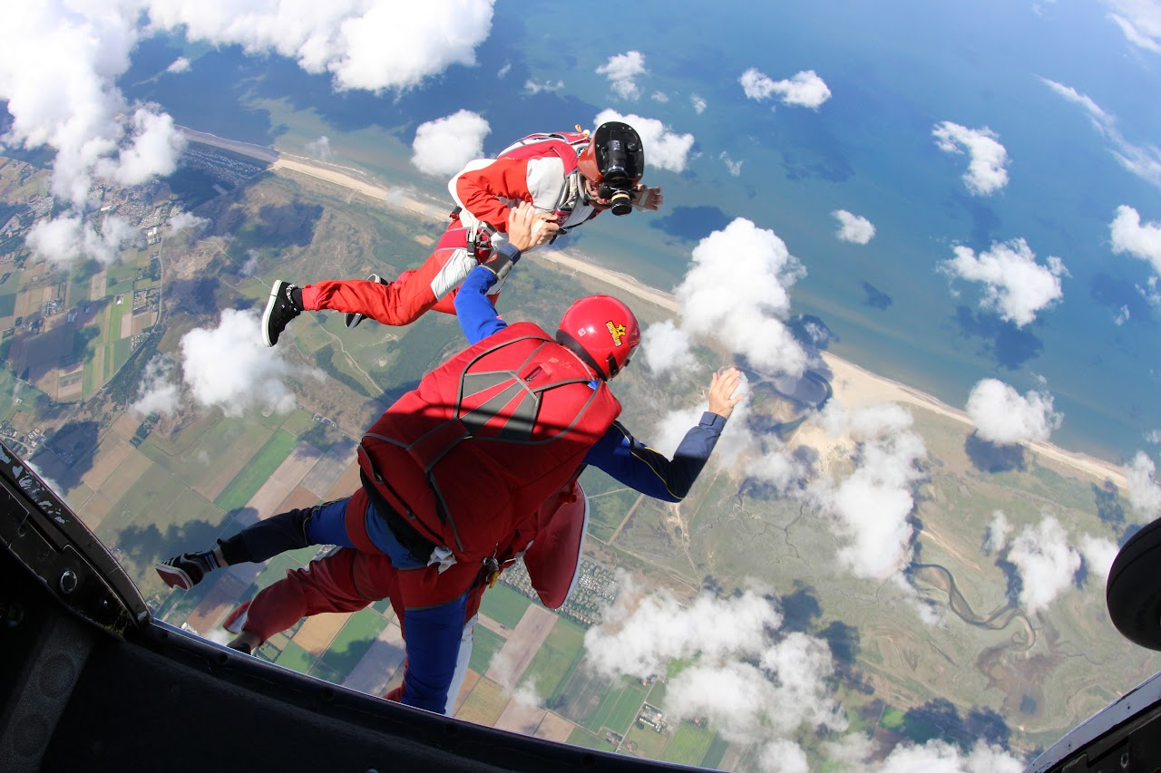 My First Skydive on Texel • Reformatt Travel Show