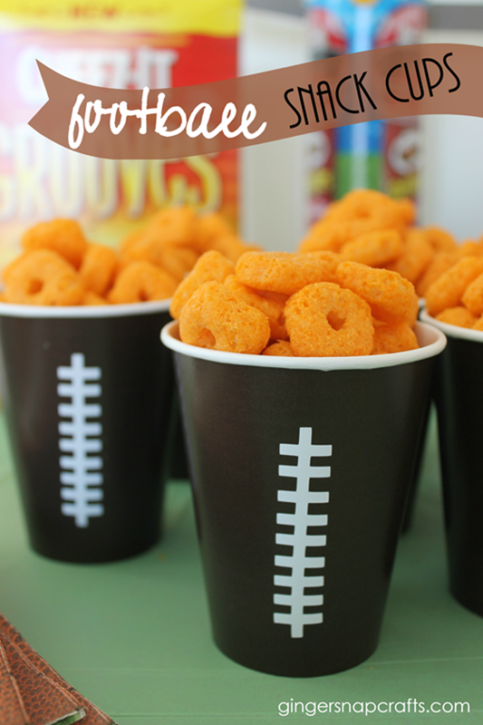 football-snack-cups-at-GingerSnapCra[1]