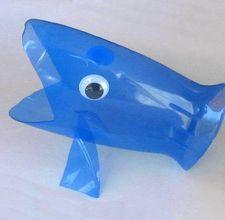 Tubarão de garrafa pet