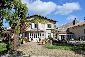maison à Montignac charente (16)