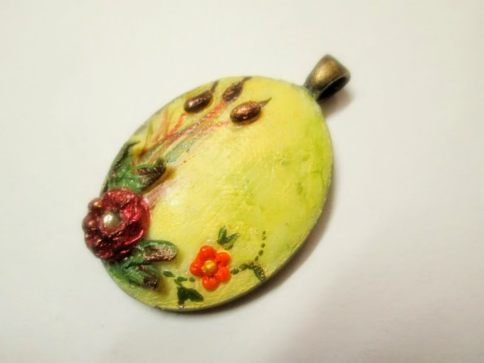 Pendant ...Poppies In A Field...