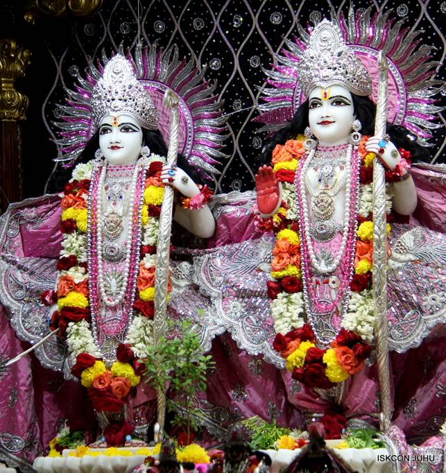 ISKCON Juhu Sringar Deity Darshan 05 Mar 2016 (13)