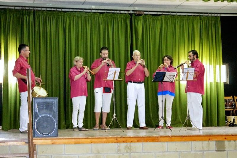 Audició Escola de Gralles i Tabals dels Castellers de Lleida a Alfés  22-06-14 - IMG_2368.JPG