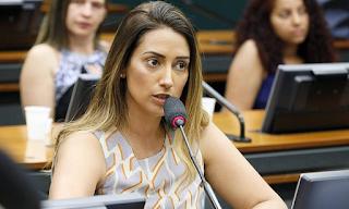 Com seis mudanças Bolsonaro oficializa reforma ministerial