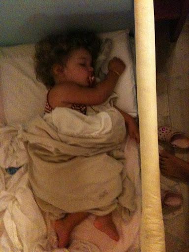 schlafend im Bettchen