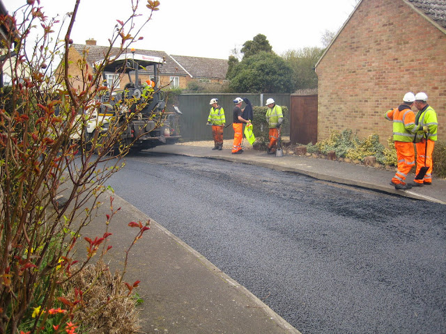 St Johns Close Resurfacing 23-03-2015. Pictures by Chris Cannon - IMG_1090.JPG