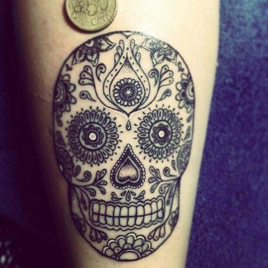 black_sugar_skull_tattoo_design