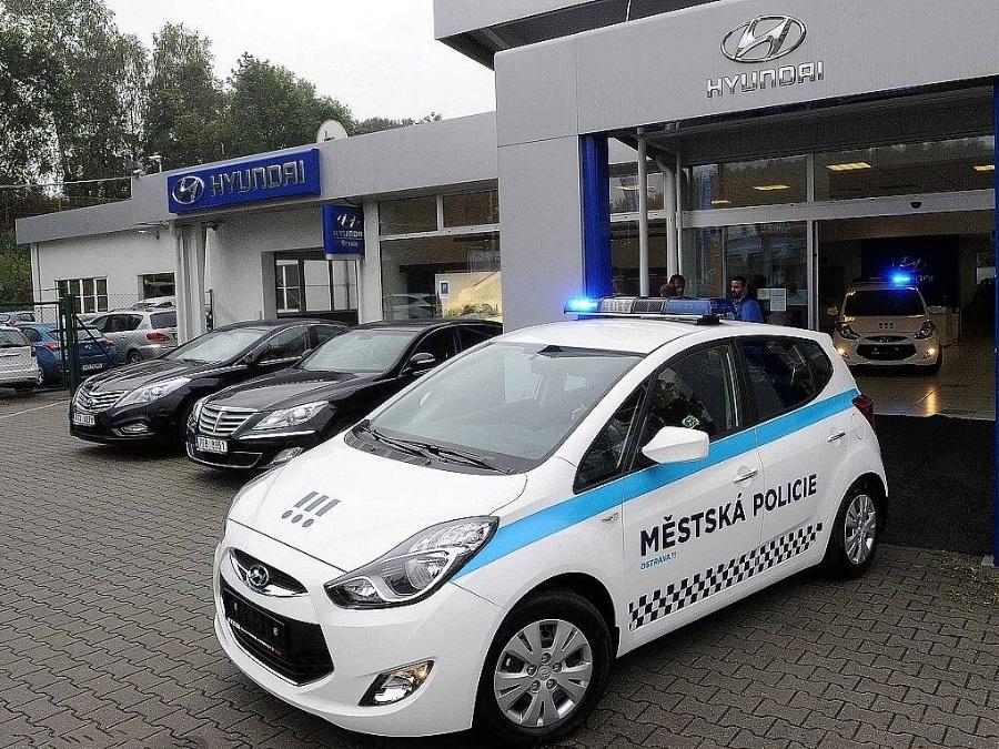 Czechy. Straż Miejska w Ostravie odbiera dwa radiowozy zasilane gazem ziemnym (CNG)