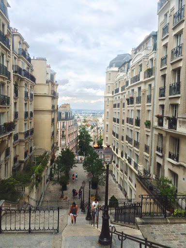Daphne Duong in Paris: #StudyAbroadBecause... you'll regret missing the opportunity!