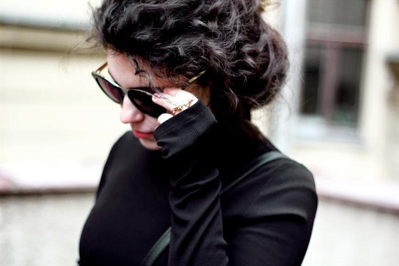 Šaty - H M Kabát - Mango Tenisky - kožené Converse Kabelka - Parfois  Prstýnky - ANTIPEARLE Sluneční brýle - Sass   Bide 6714504357
