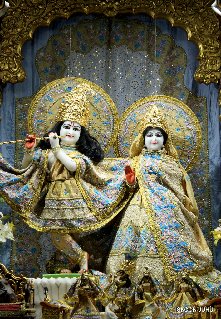 ISKCON Juhu Mangal Deity Darshan on 24th Oct 2016 (19)