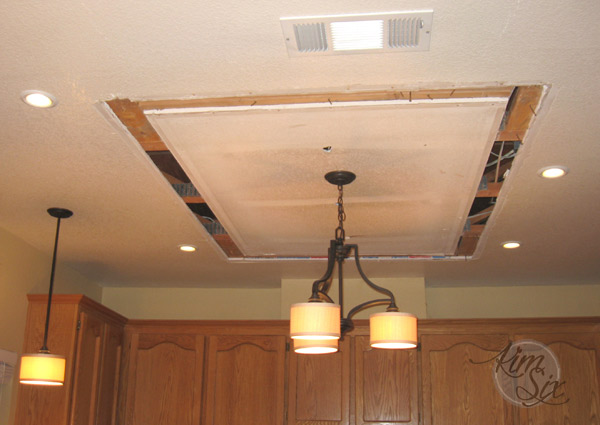 Fluorsecent box ceiling lamp removal