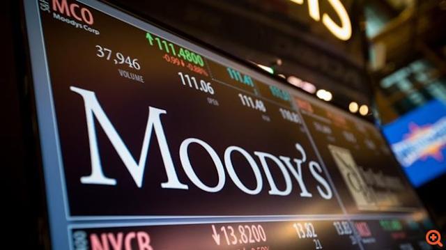Moody's: Κίνδυνοι για τις τράπεζες από την υπερβολική εξάρτηση στα φθηνά δάνεια της ΕΚΤ – Η θέση των ελληνικών τραπεζών
