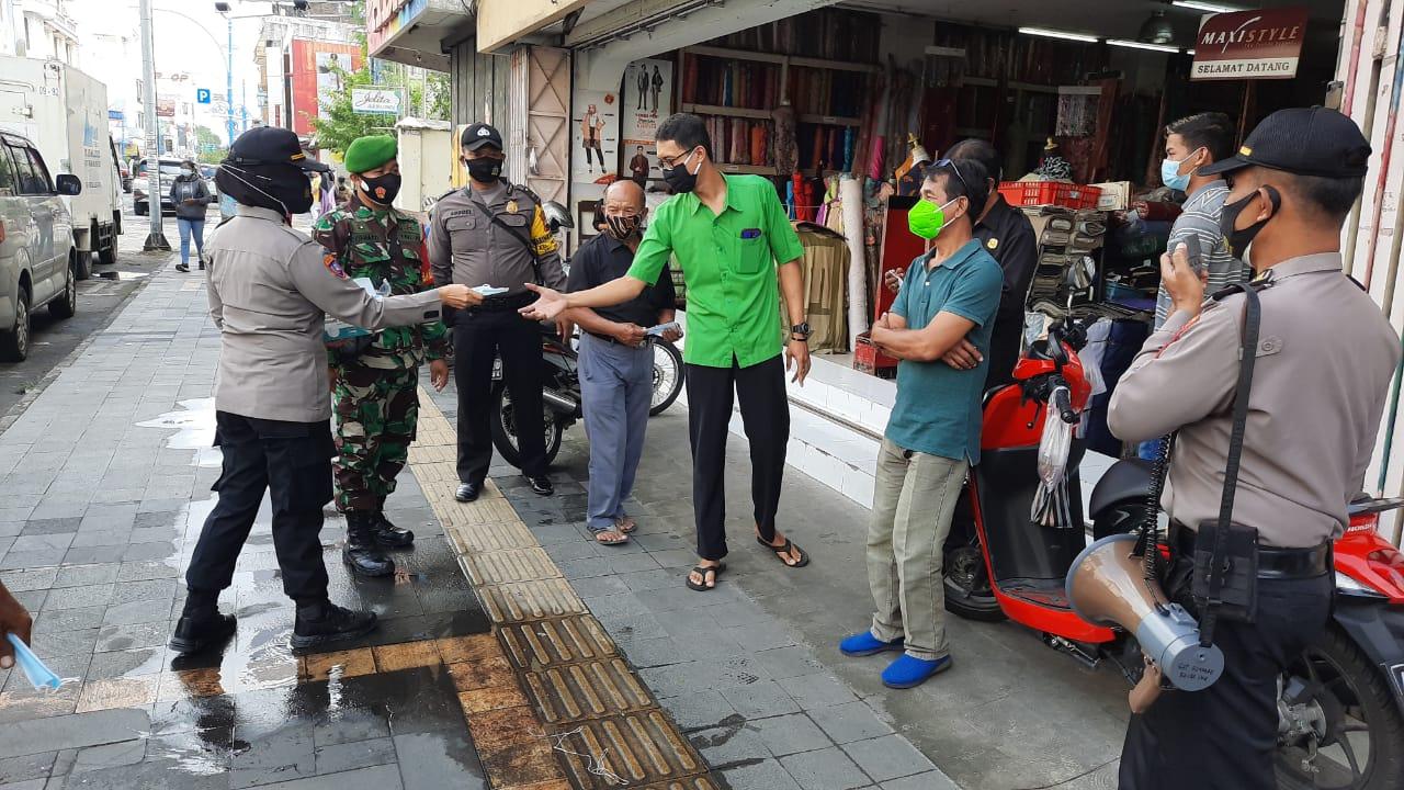 Sinergitas TNI Polri Wilayah Kecamatan Serengan Gelar Operasi Yustisi