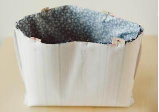 Menggabungkan kain dalam cara membuat tote bag paling simpel