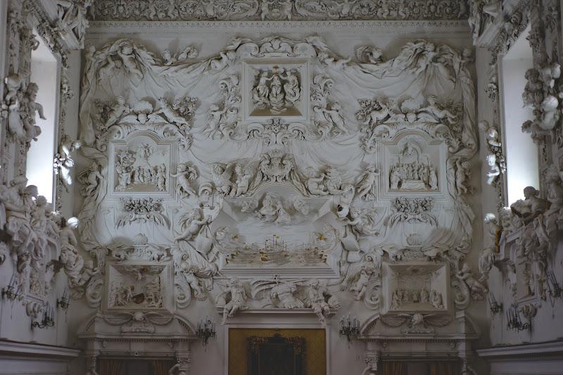 Batalia de la Lepanto in stucco si Serpota la maximul abilitatilor sale. Undeva intre pictura, teatru si sculptura.
