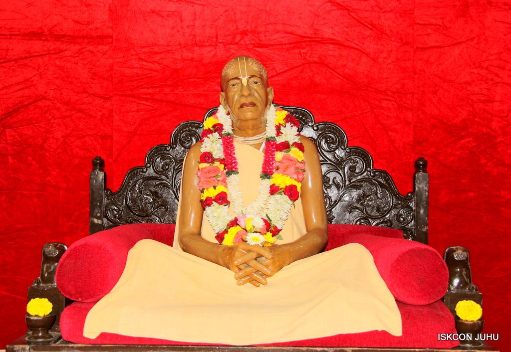 ISKCON Juhu Sringar Deity Darshan on 24th September 2016 (51)