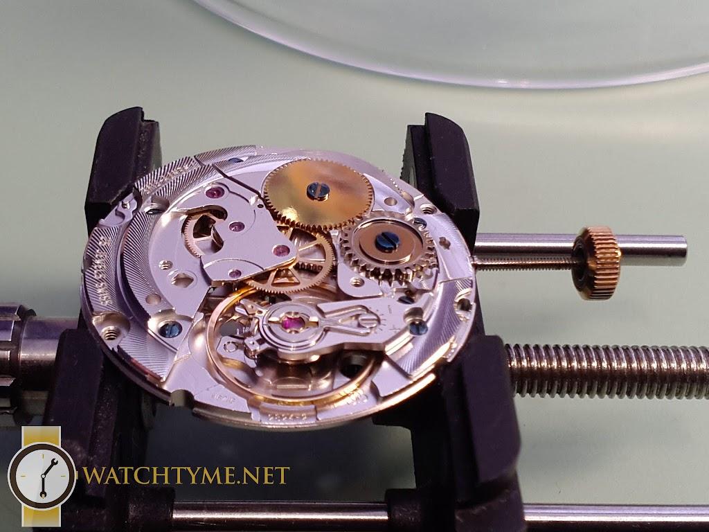 Watchtyme-Junhans-Meister-Calendar-2015-09-033