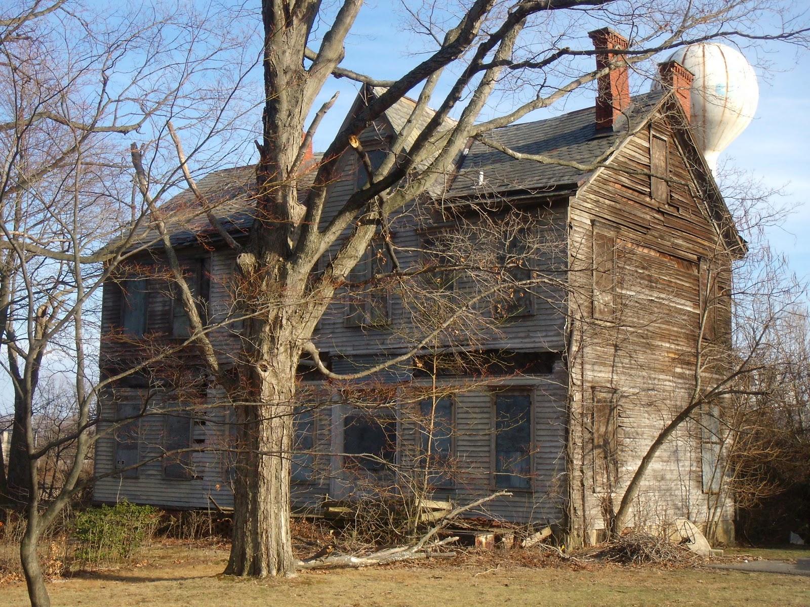 Aberdeen NJ Life: Abandoned House on Cliffwood Avenue