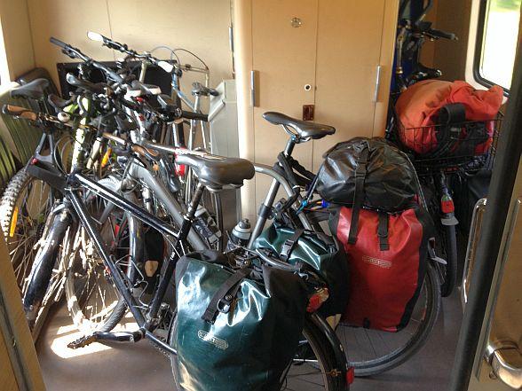 Fahrrad-Abstellmöglichkeiten im Intercity Venlo - Rotterdam