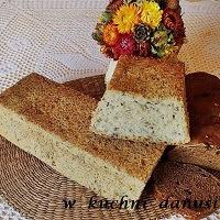 chleb z orkiszem na żurku