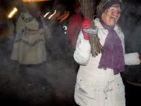 A boszorkányokat űzték ki a faluból.JPG